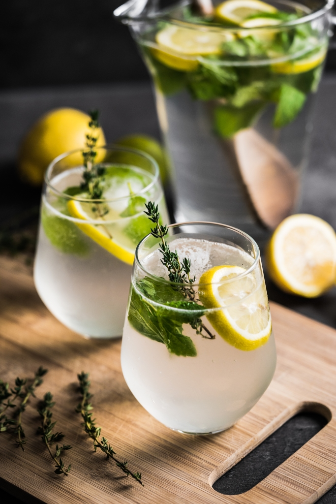homemade-lemon-drinks-picjumbo-com